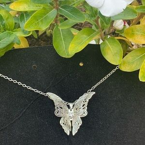 🌴Fly with me butterfly silver necklace 🌴